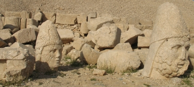 statues Nemrut Dag
