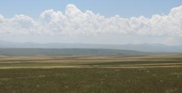 Environs de Susuz : steppe et Allahuekber Dağları